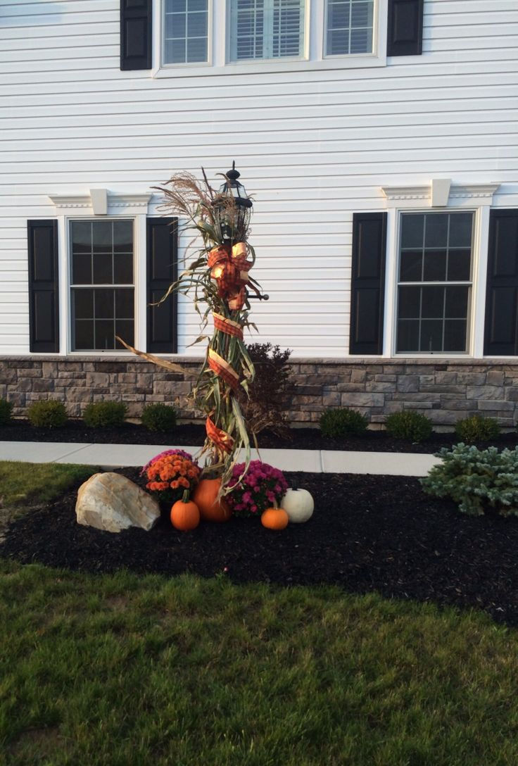 43fb45ae47c96940a34ce1abf98a039djpg (736×1088) outside - front yard halloween decorations