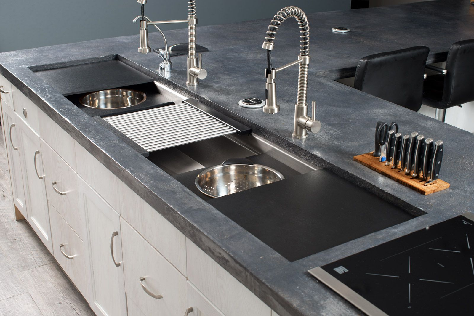 Minimum Required Outside Cabinet Dimension 84 210cm Sink 16