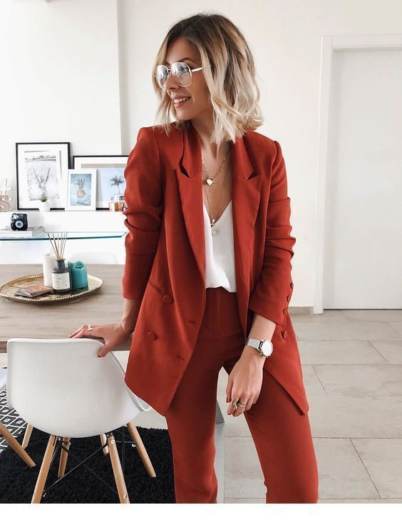 Suit for work | Inspiring Ladies - io.net/style