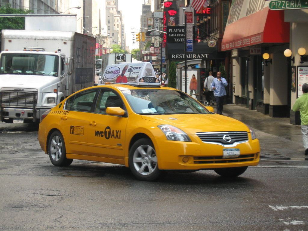 We provide airport taxi service to various areas of