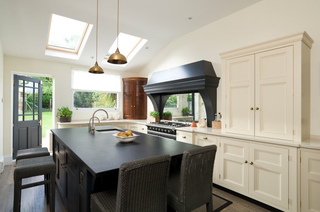 A Classic Contemporary Victorian Kitchen In Kent From The Longford Kitchen  Range With Period Oak Details   A Truely Classic Georgian Kitchen Design.