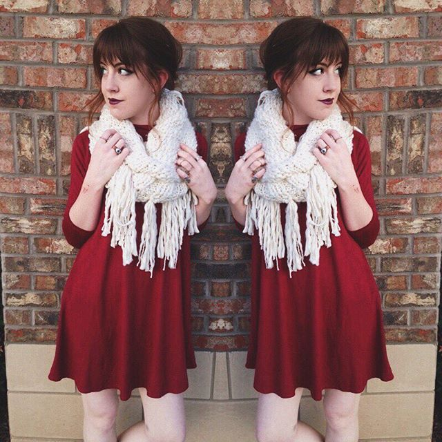 We've got a great variety of scarves to pair with our tunics and dresses! Olivia's favorite is the fringe style in cream
