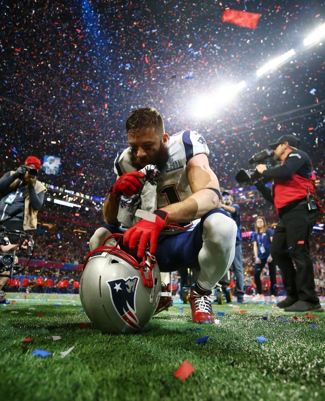 Usa Today On Instagram Patriots 39 Large Receiver Julian Edelman Catches The Moment After In 2020 New England Patriots Nfl Patriots Julian Edelman