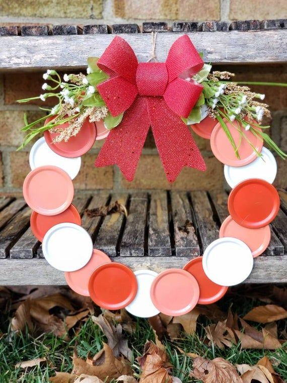 Mason Jar Lid Wreath, Mason Jar Wreath, Mason Jars, Farmhouse Wreath, Everyday Wreath, Red and White Wreath #masonjarbathroom