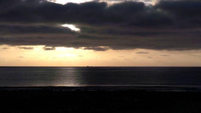 Desde las Islas Canarias  ..Fotografias  : Amanecer desde la Avenida Marítima en  Puerto del ...