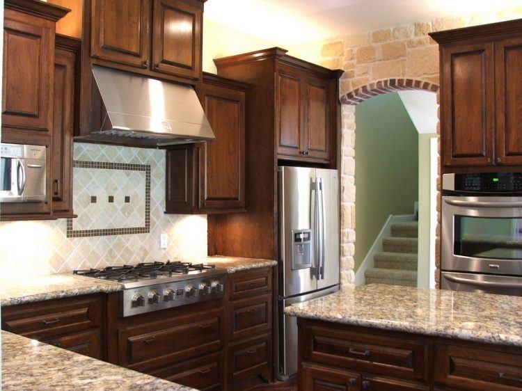 20 Stunning Kitchen Design Ideas With Mahogany Cabinets Cherry Cabinets Kitchen Kitchen Design Cherry Wood Kitchens