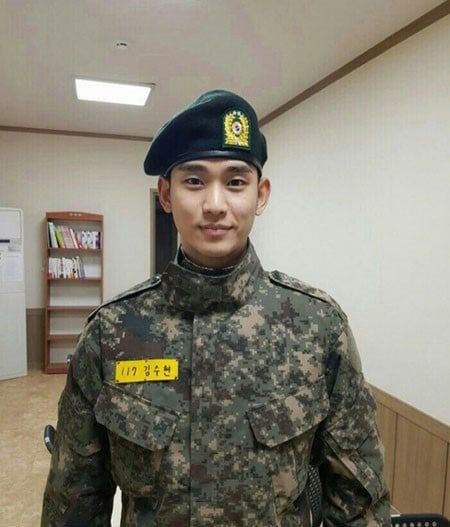 10 South Korean Stars Looking Handsome In Army Fatigues