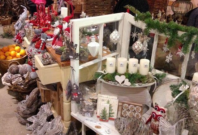 Halager: Julemarked, andesteg, hæklede huse, mere andesteg ...