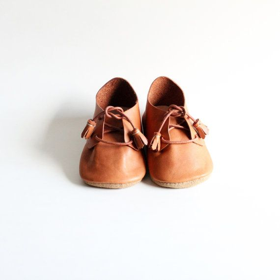 Handmade leather baby shoes