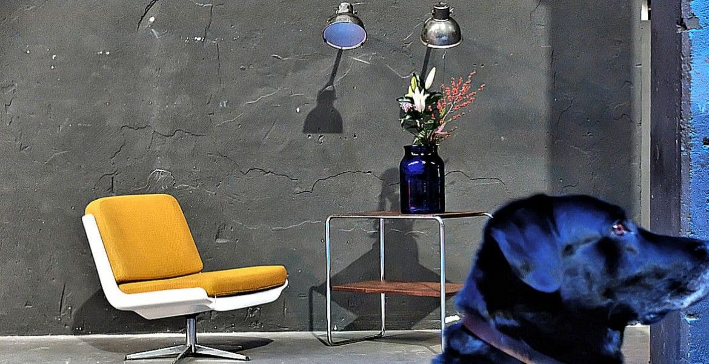 works berlin restauriert und verkauft original vintage industriedesign m bel und fabriklampen. Black Bedroom Furniture Sets. Home Design Ideas
