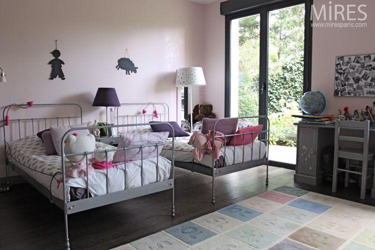 moquette chambre fille double lit en fer pour chambre de