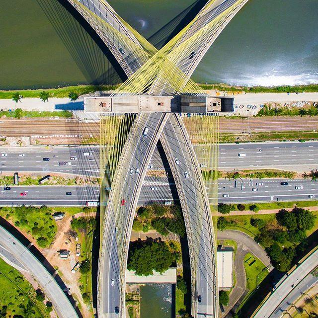 Av. Marginal Pinheiro - Ponte Estaiada - São Paulo, Brasil    Brasileiro clica imagens aéreas de São Paulo que vão te fazer olhar pra cidade de um jeito diferente   Nômades Digitais