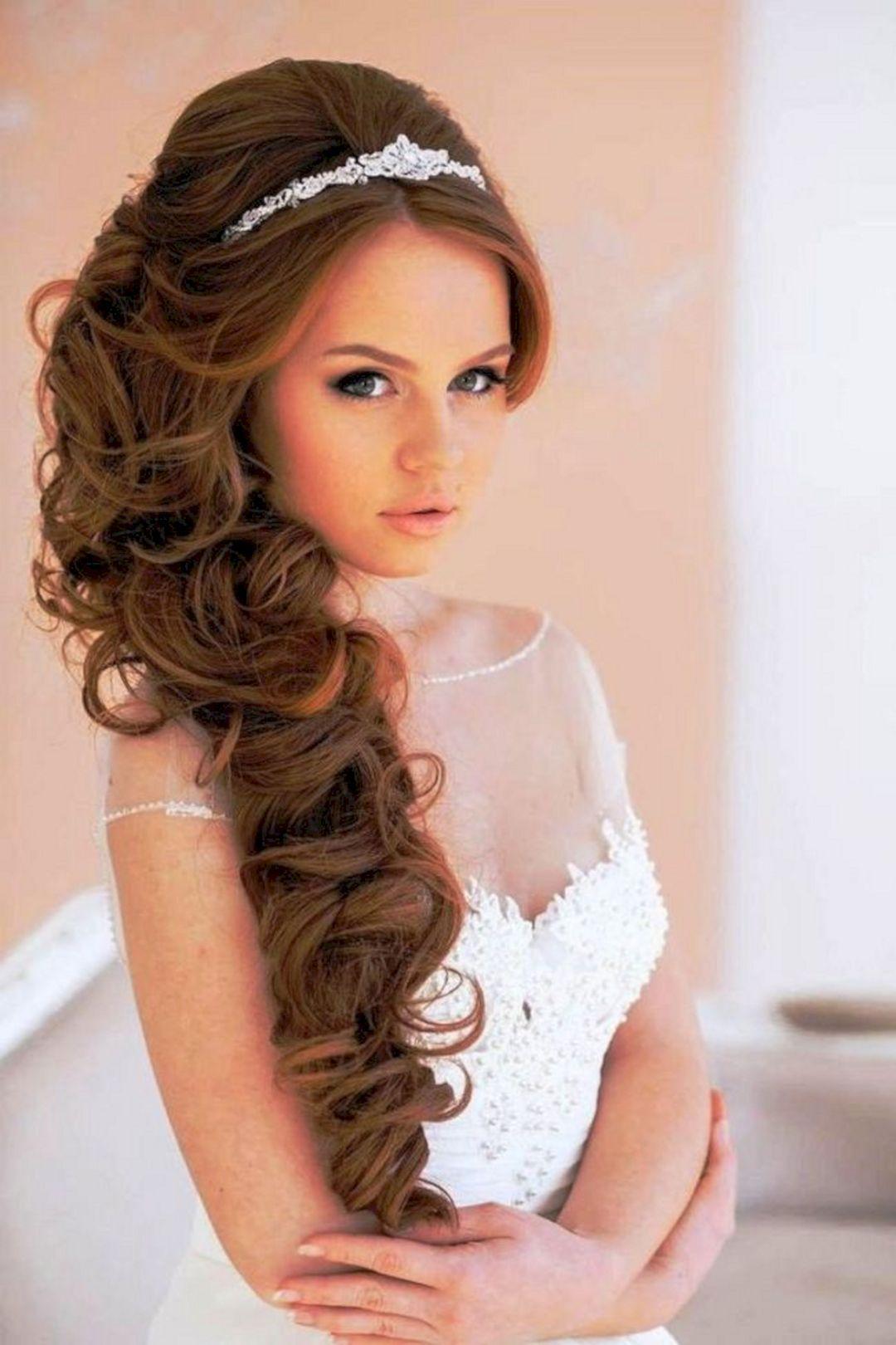 25 Beautiful Vintage Wedding Hairstyles Design With Veil Ideas Long Hair Wedding Styles Hairstyles With Tiara Wedding Hairstyles With Tiara