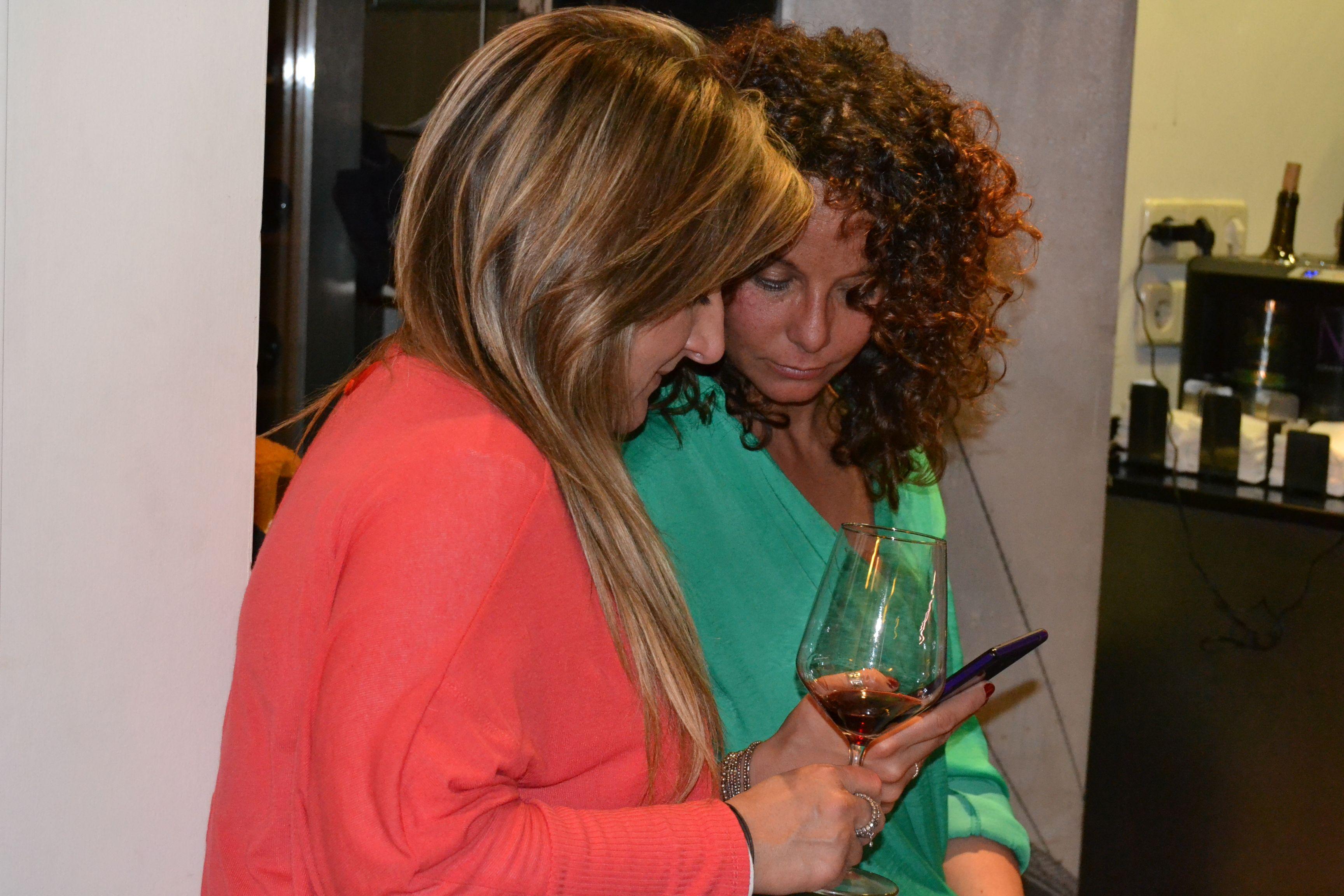 3º #MartesdeCata Flores&SierraCantabria. Disfrutando junto a amigos y clientes.
