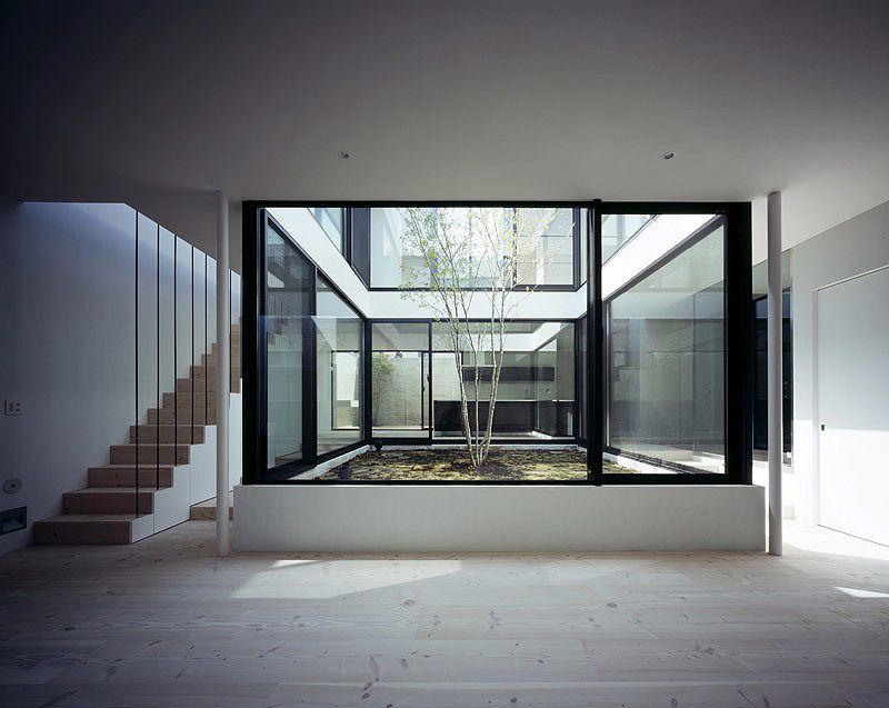 La casa patio un proyecto de apollo architects tokyo vivienda casas casa minimalista y - Casas con patio interior ...