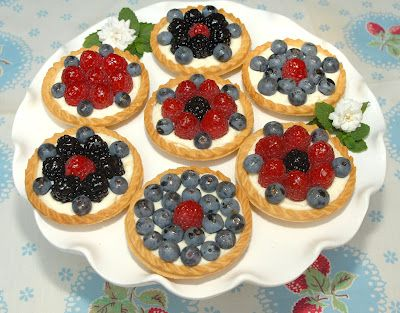 Pink Piccadilly Pastries: Easy Fruit Tarts for a Summer Afternoon
