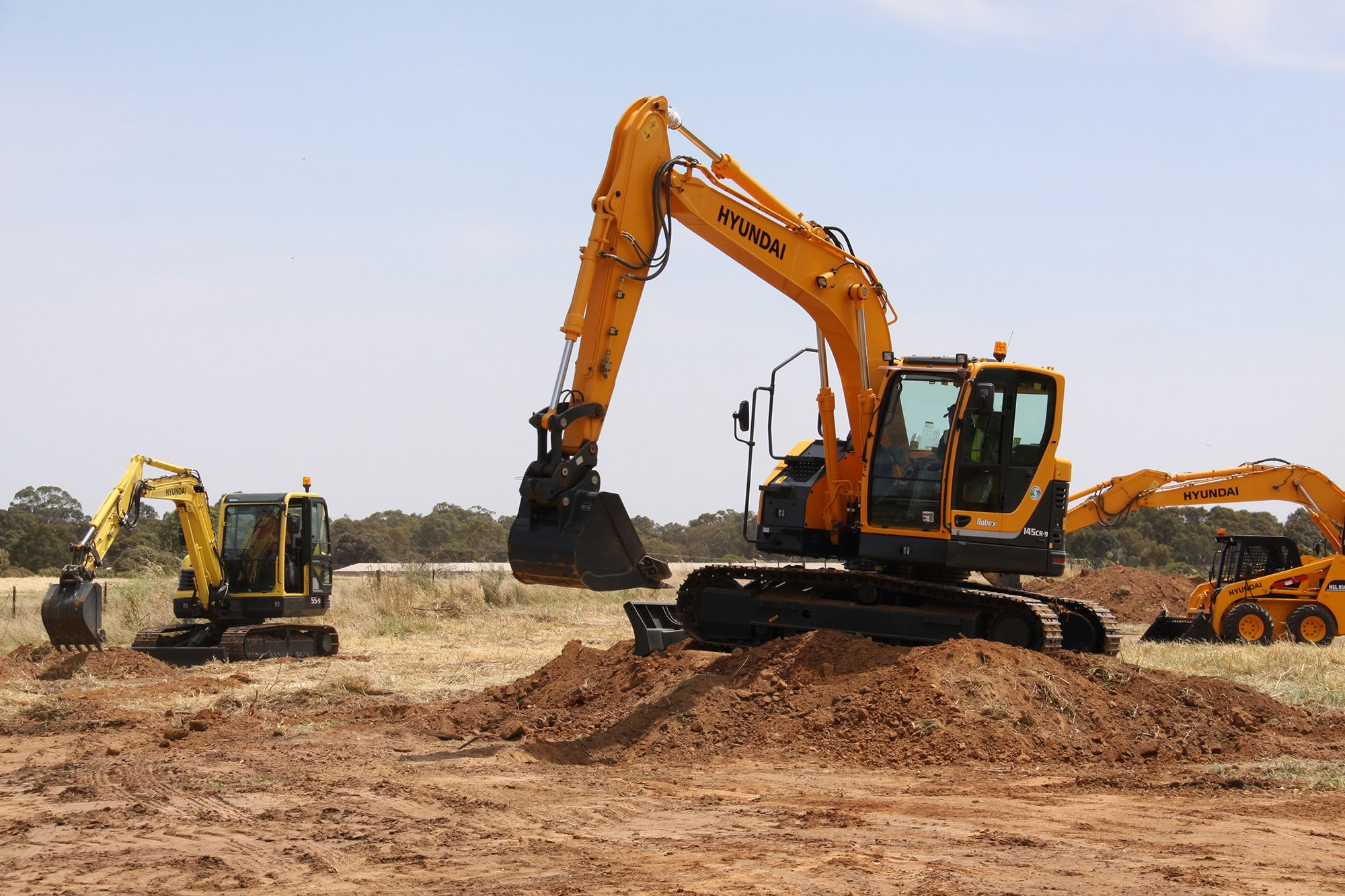 Hyundai 15t Excavator - R145CR-9 http://www.workwithconfidence.com