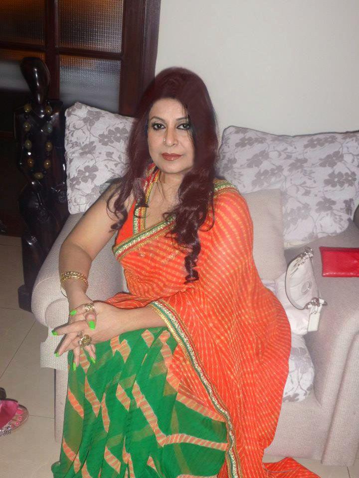 Pls Send Ur Number  Aunty In Saree, Aunty Love, Fashion-4165