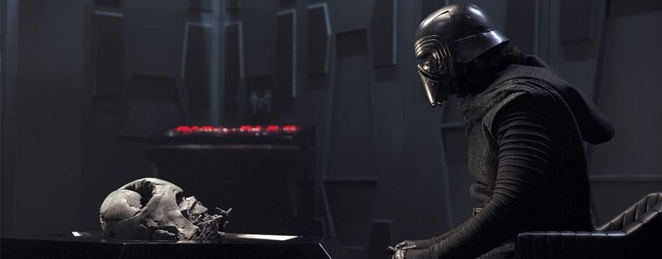 kylo-ren-pays-reverence-to-darth-vader-in-new-force-awakens-photo