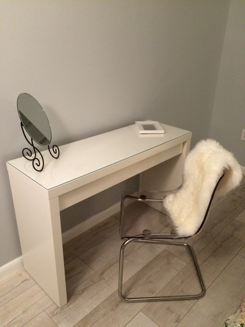 dressing table malm toaletka ikea tobias chair sheepskin white and gray bedroom sypialnia my. Black Bedroom Furniture Sets. Home Design Ideas