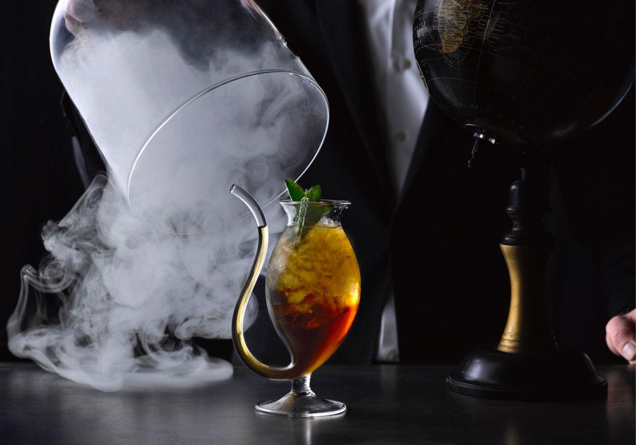 Cocktails drinken doen we niet vaak, maar áls we gaan, zoeken we een goede bar op.…