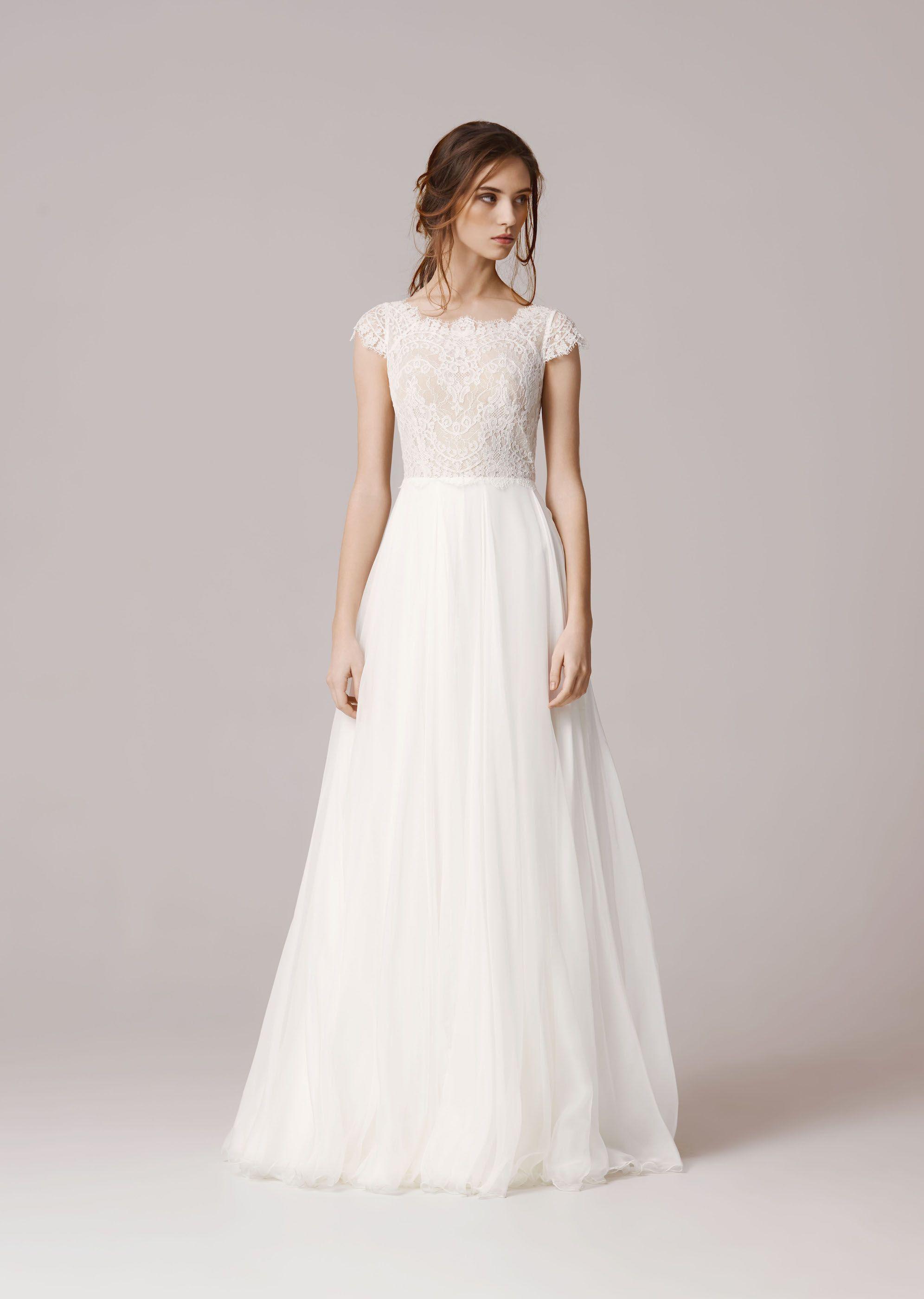 Dans les baskets de lamariée | Wedding dress, Wedding and Robe