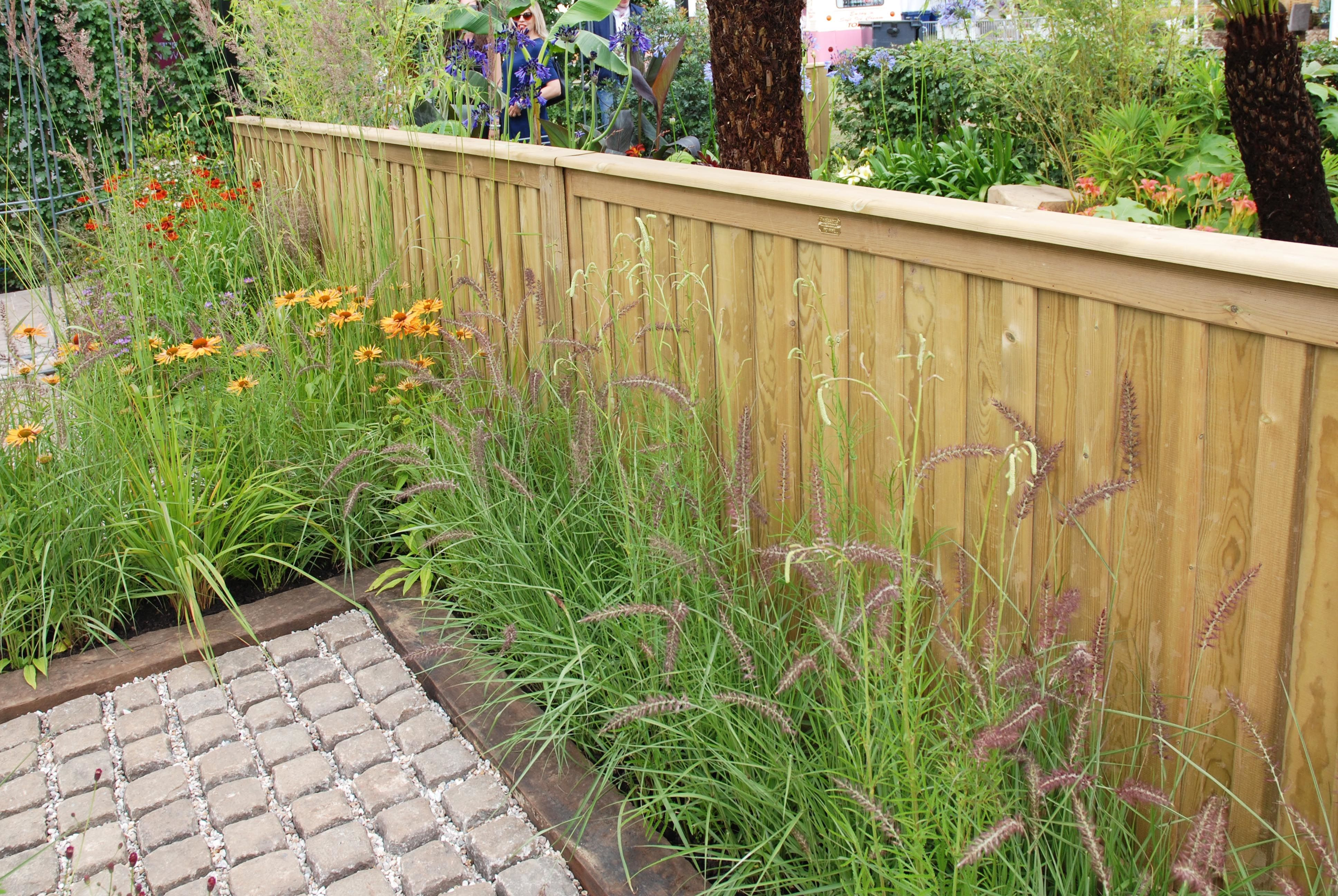 Find This Pin And More On Low Front Garden Fencing.
