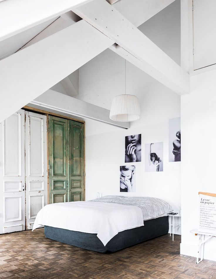 Schlichtes Schlafzimmer in hellen Farben #schlafzimmer #bedroom