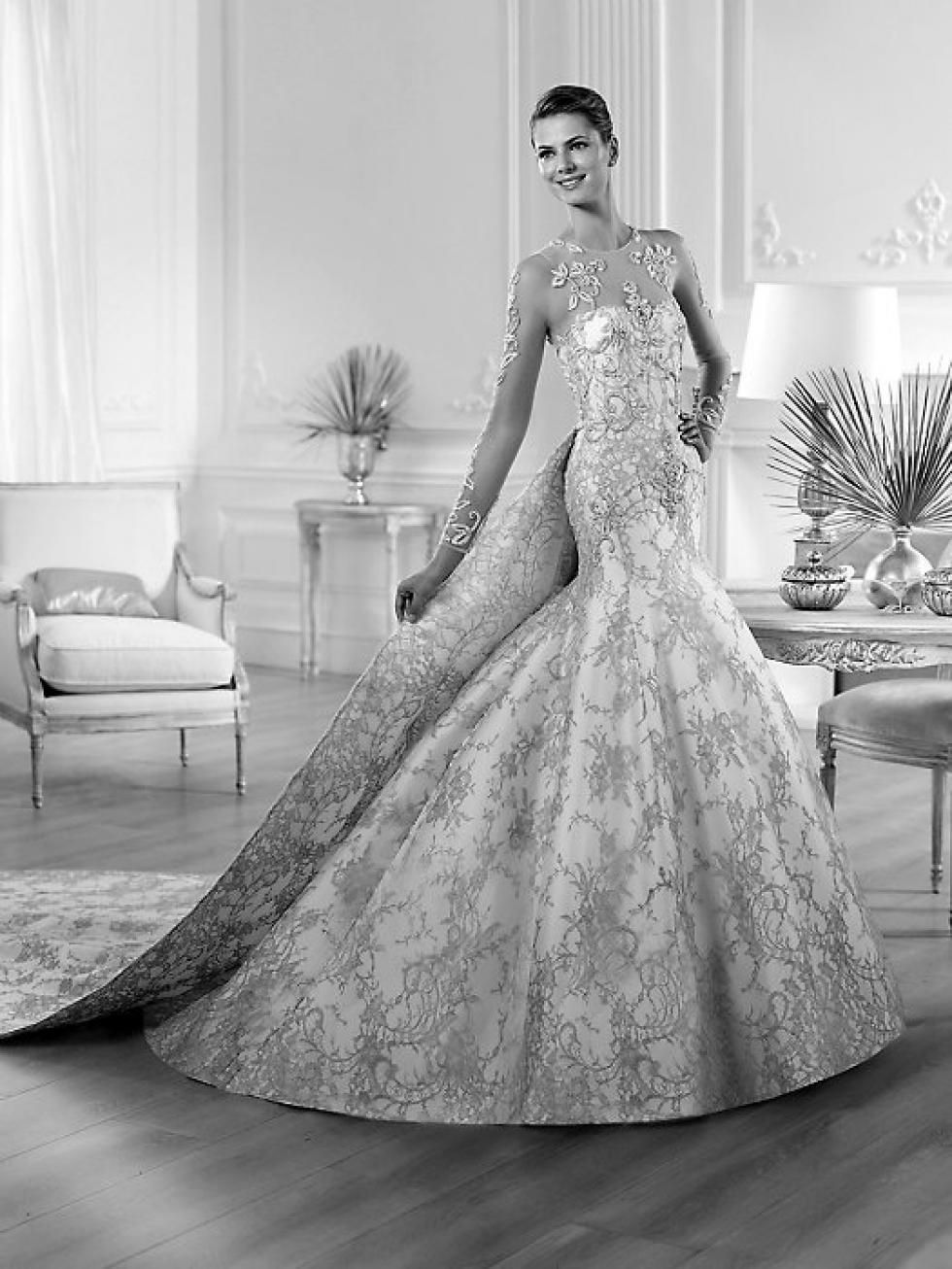 Winter wonderland wedding dress  Warmth a factor for winter wonderland wedding   The