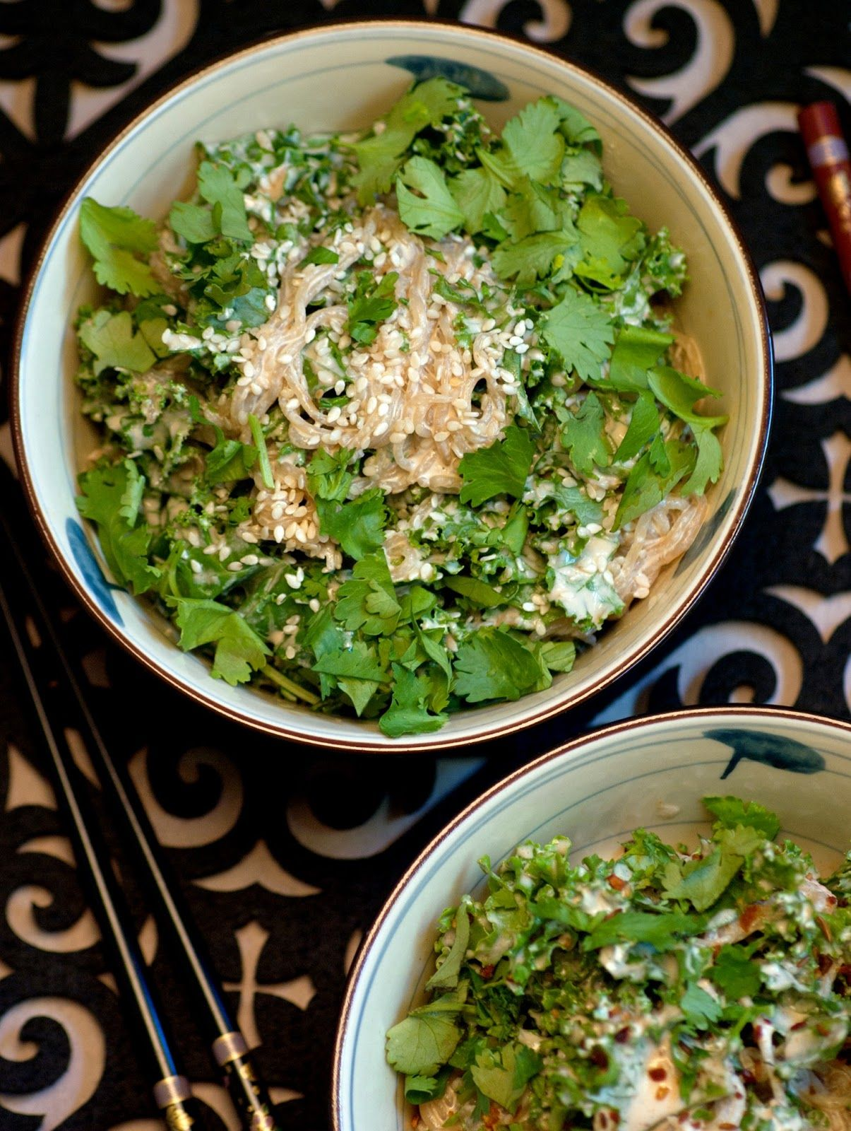 'Creamy' Asian Noodle Kale Salad. Almost Skinny Vegan Food