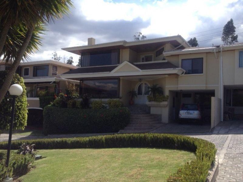 P Hermosa Casa De 330 M2 De Construcción 20 M2 De Patio 90