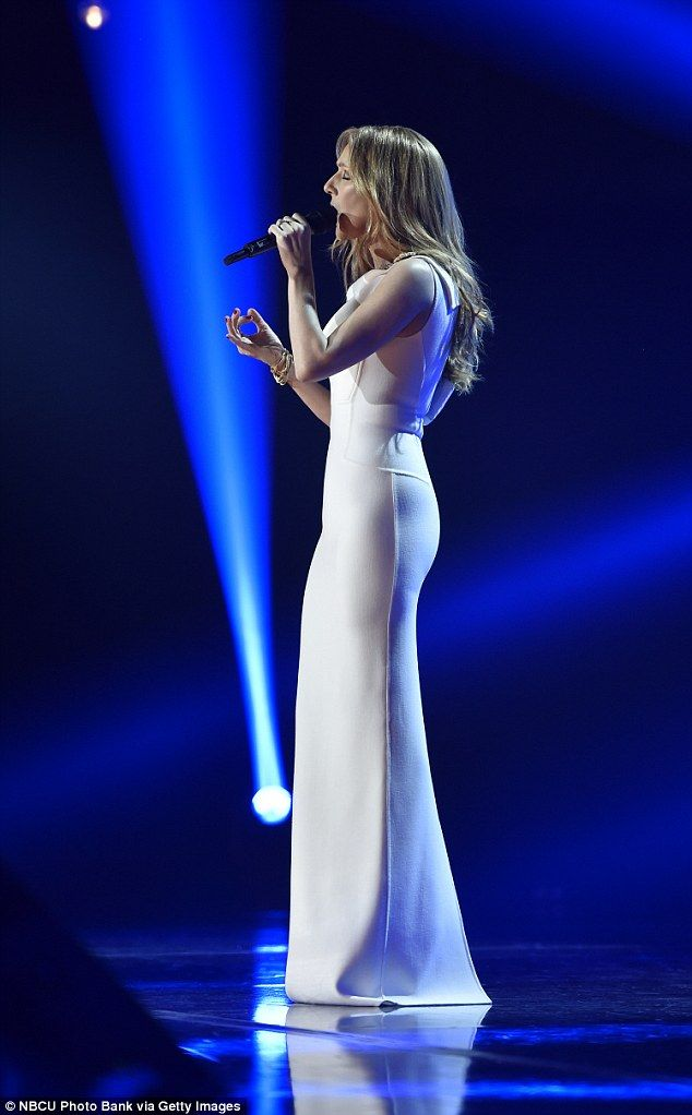 Celine Dion Wows In White On Michael Buble S Festive Special Celine Dion Dion Michael Buble