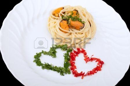 Cucina italiana - Primi piatti - Pasta - Spaghetti con cozze ...