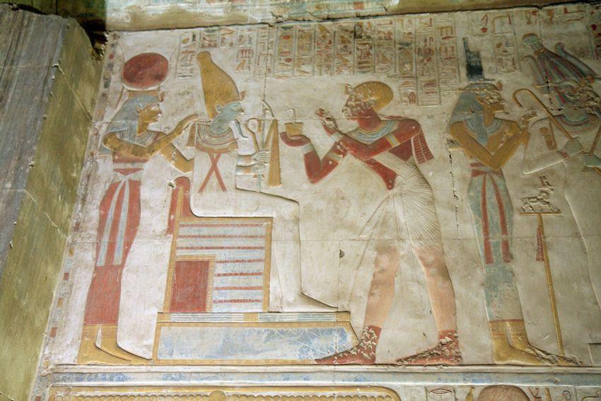https://flic.kr/p/9KHJk6 | Capilla grande de Osiris en el templo de seti I en Abidos , Egipto .