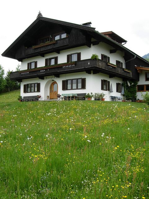 German House Designs: Chalet Design, Home