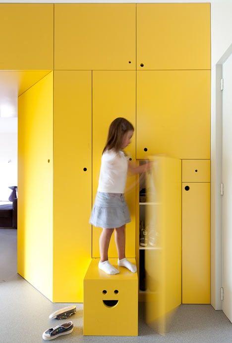 Something Yellow Idee Rangement Placard Chambre Enfant