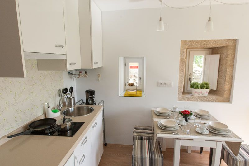 Apartment O. Open kitchenette with all you need