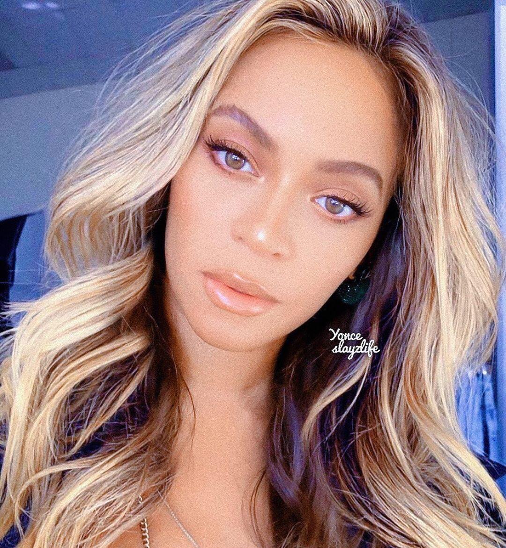 𝗕 On Instagram Beyonce Follow Yonceslayzlife Beyonce