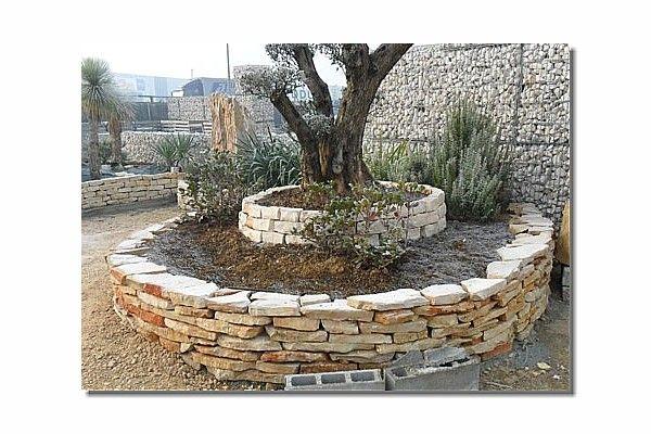 muretti in pietra per aiuole