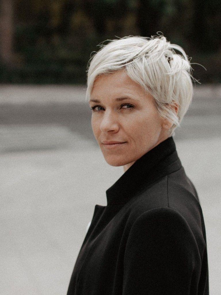 Pin Von Derya Kaptan Auf Orgu Sac Modelleri Mit Bildern Haarschnitt Ideen Frisur Dicke Haare Weibliche Kurzhaarfrisuren