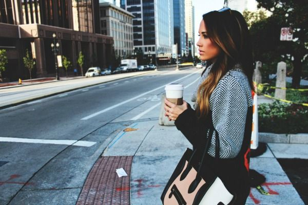 Coffee in the City   Styled Avenue