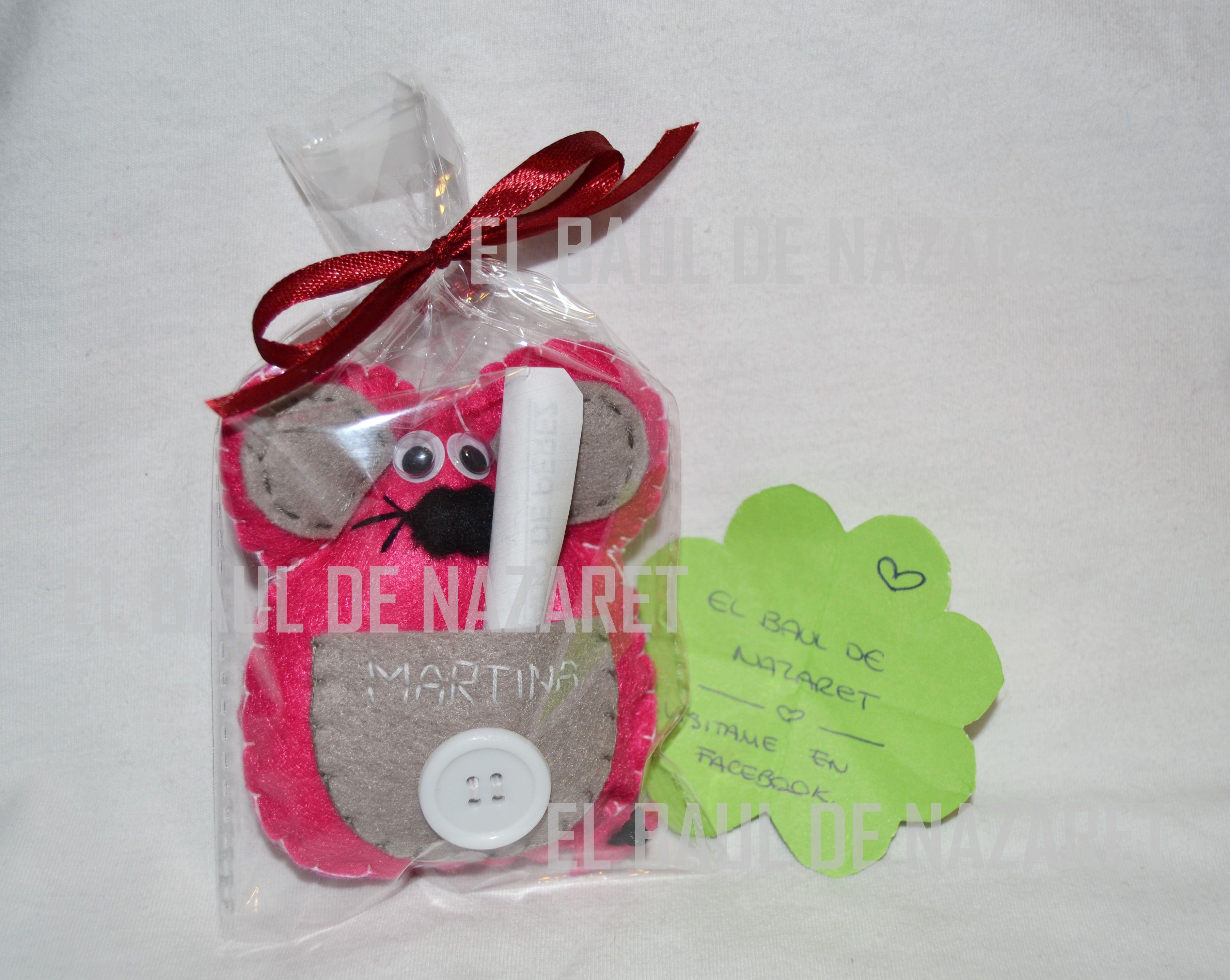 Nuevo ratoncito guardadientes para Martina, espero que os guste. Miden unos 9-10cm mas o menos.  www.facebook.com/lasideasdenaza  gracias!!!