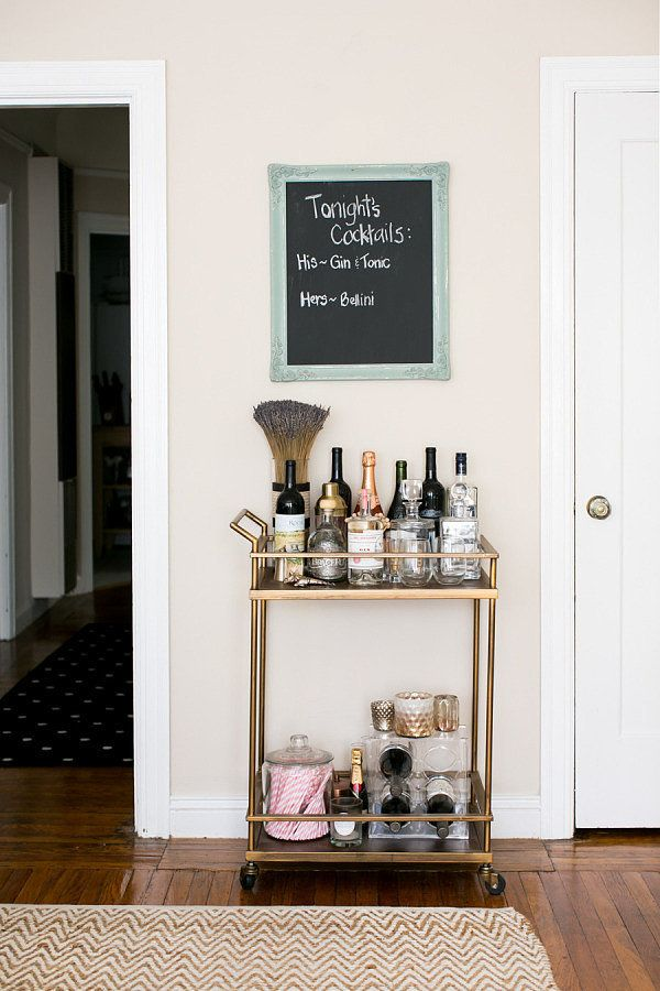 Take a Peek Into This Fashion Blogger's Girly Glam Apartment #apartmentdecor