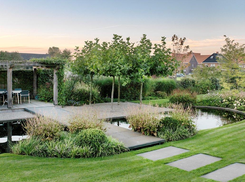 Landelijke tuin moderne tuin for Moderne waterpartijen tuin
