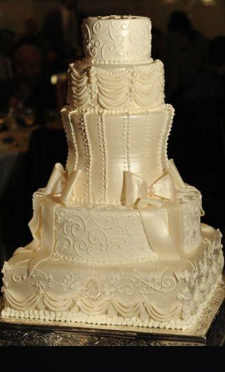 Oakmont Bakery Wedding Cake