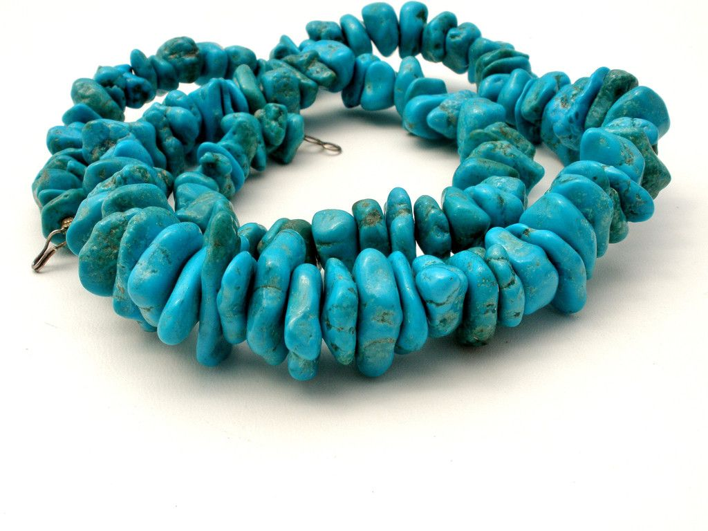 Kingman Mine Turquoise Nugget Bead Necklace 25