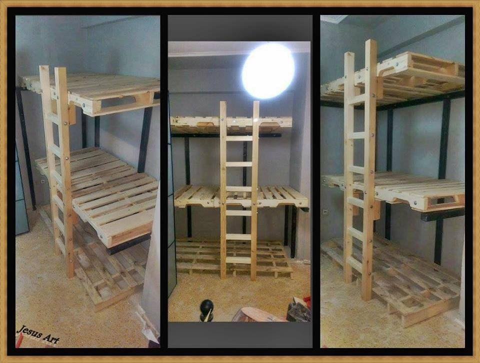 dreibettzimmer etagenbett mit paletten gebaut 2 betten selber bauen pinterest etagenbett. Black Bedroom Furniture Sets. Home Design Ideas