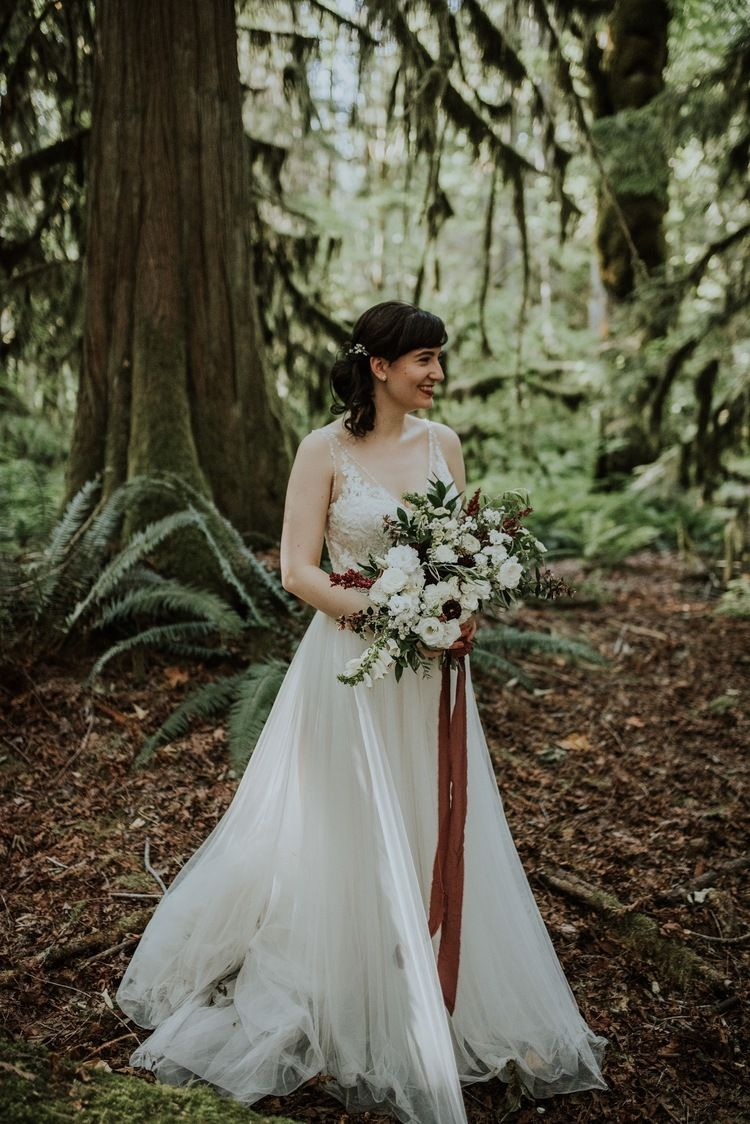 Woodland Wedding Dress Woodland Wedding Dress Woodland Wedding Forest Wedding [ 1124 x 750 Pixel ]