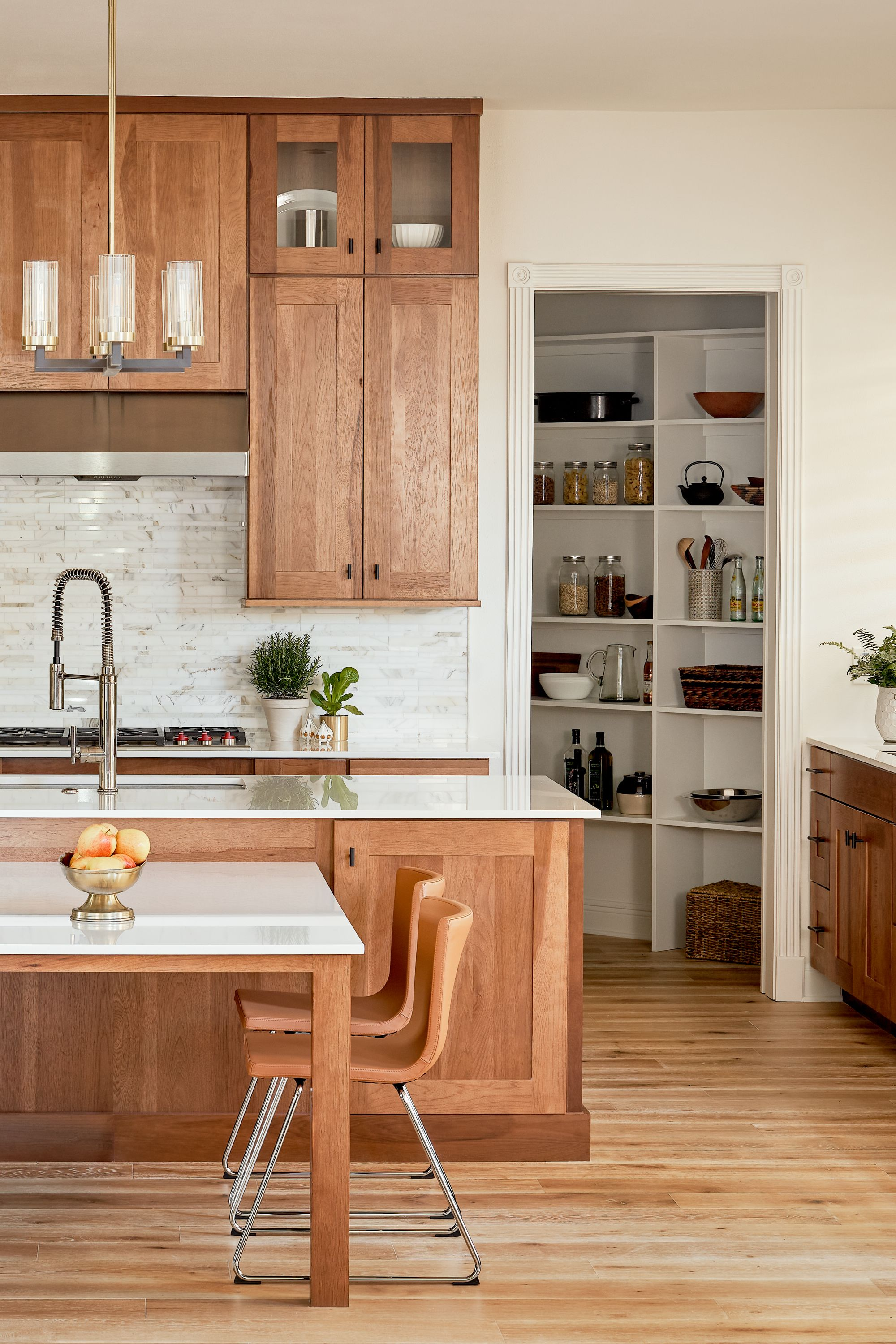 Kitchen Remodel Hickory Kitchen In 2020 Hickory Kitchen Maple Kitchen Cabinets Kitchen Cabinet Inspiration