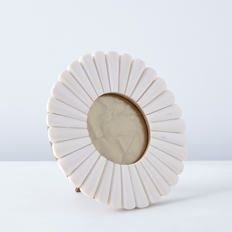 Scalloped Bone Frames | Pinterest
